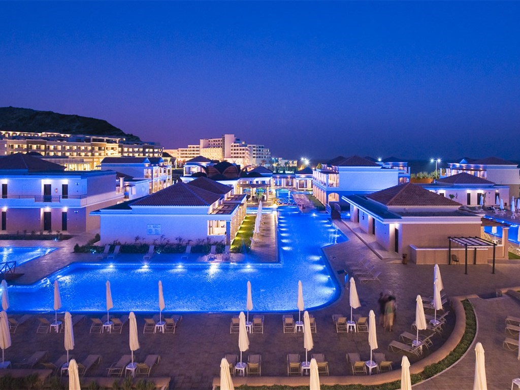 La Marquise Luxury Resort Complex - 9