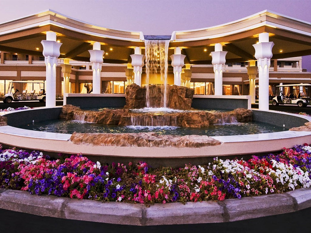 La Marquise Luxury Resort Complex - 4