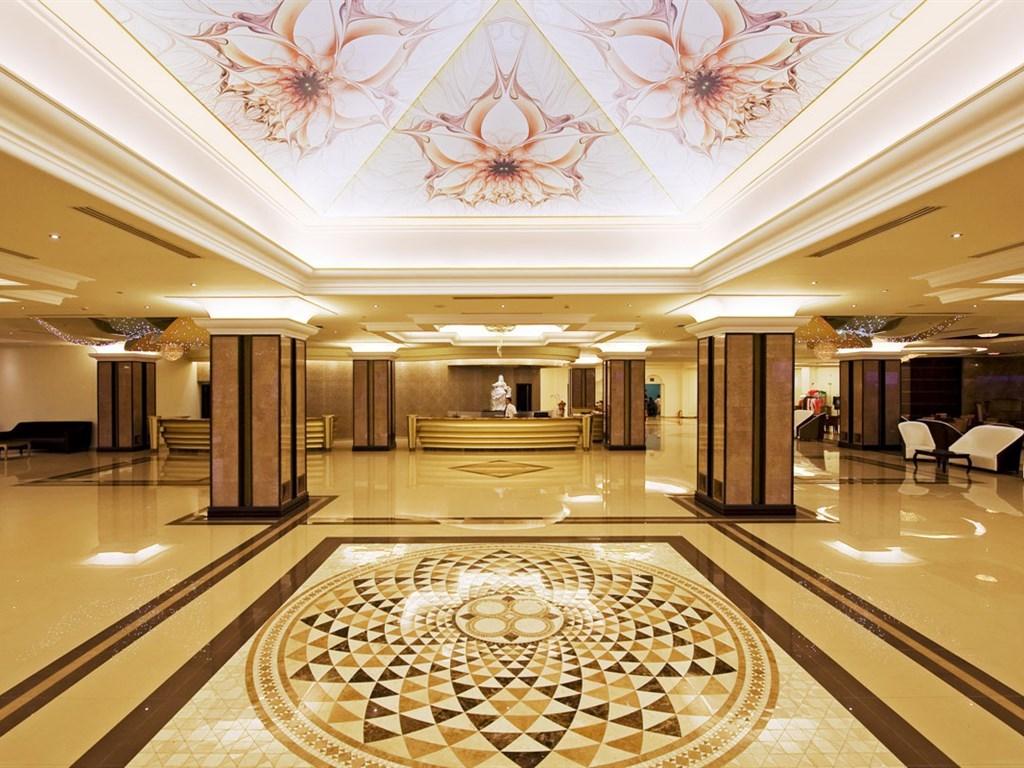 La Marquise Luxury Resort Complex - 16