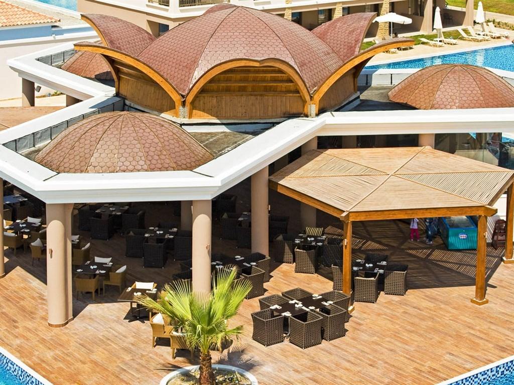 La Marquise Luxury Resort Complex - 11