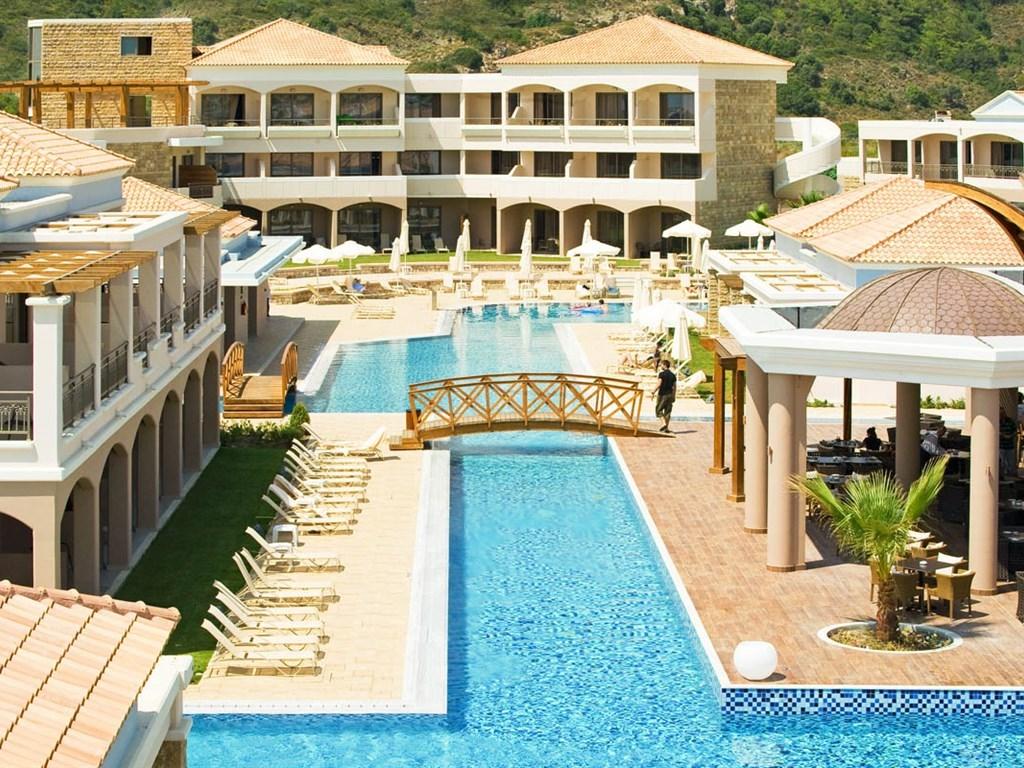 La Marquise Luxury Resort Complex - 10