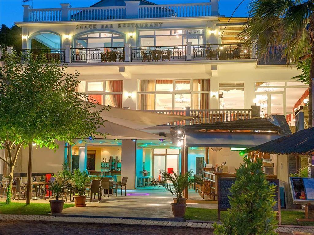 Alexandra Beach Hotel - 2