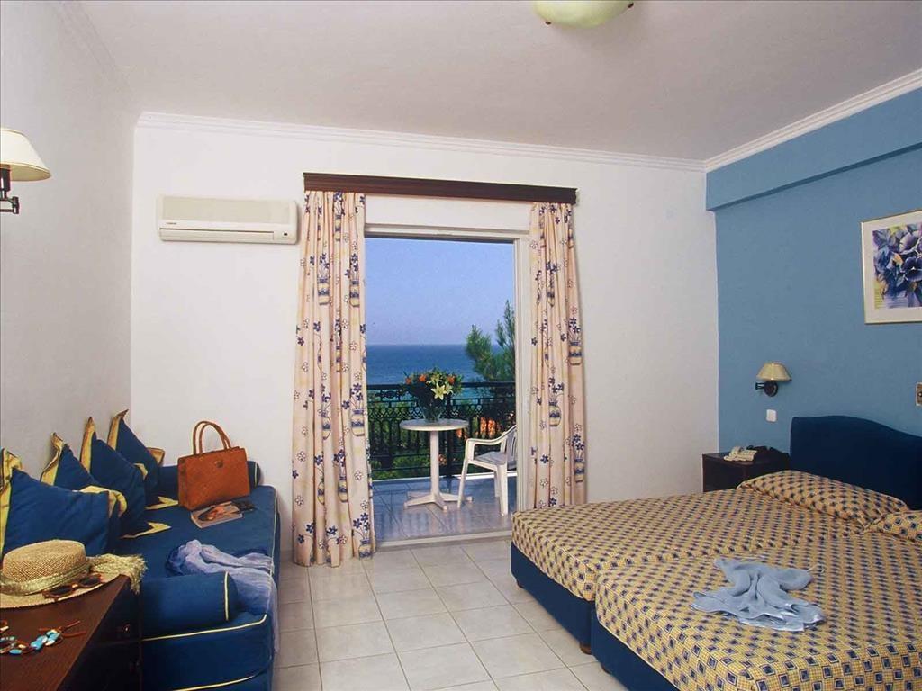 Alexandra Beach Hotel - 12