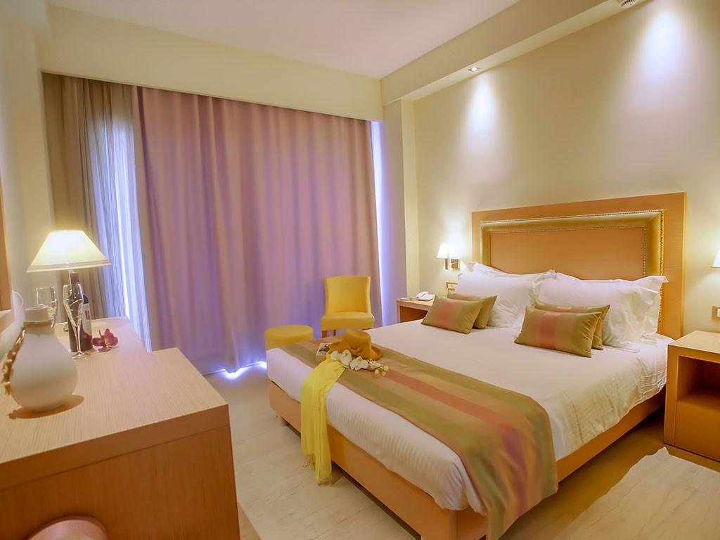 Alexandra Beach Hotel - 19