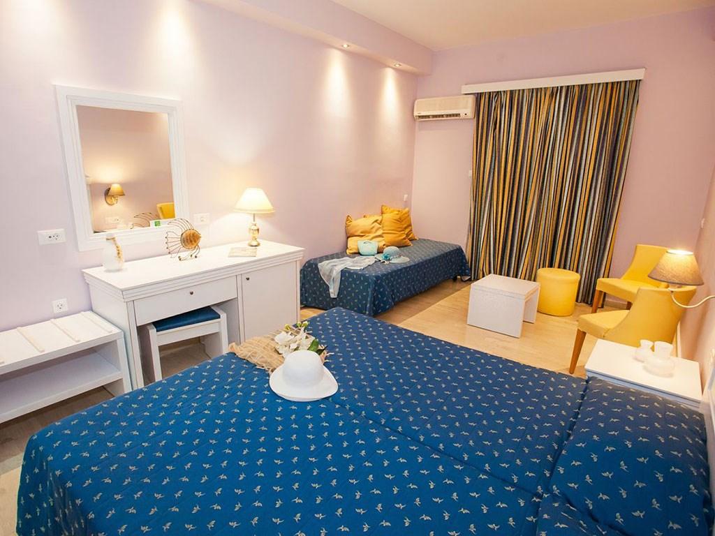Alexandra Beach Hotel - 18