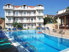 Amoudi Hotel Apartments: Pool - photo 1