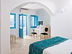 Above Blue Suites - photo 12