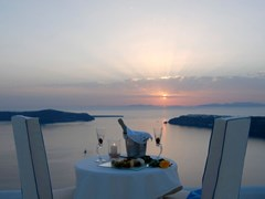 Absolute Bliss Imerovigli Suites - photo 5