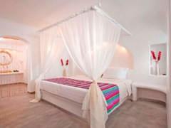 Absolute Bliss Imerovigli Suites - photo 16