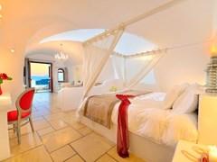 Absolute Bliss Imerovigli Suites: Villa Absolute - photo 17