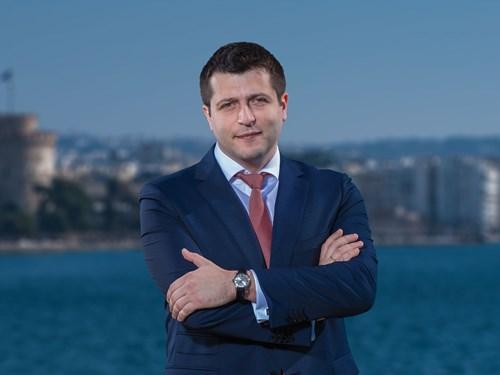 Янис Музенидис - Вице-президент. Руководство компании